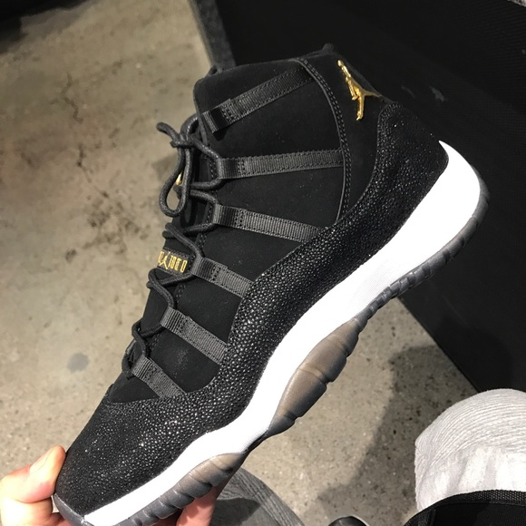 gold and black 11s